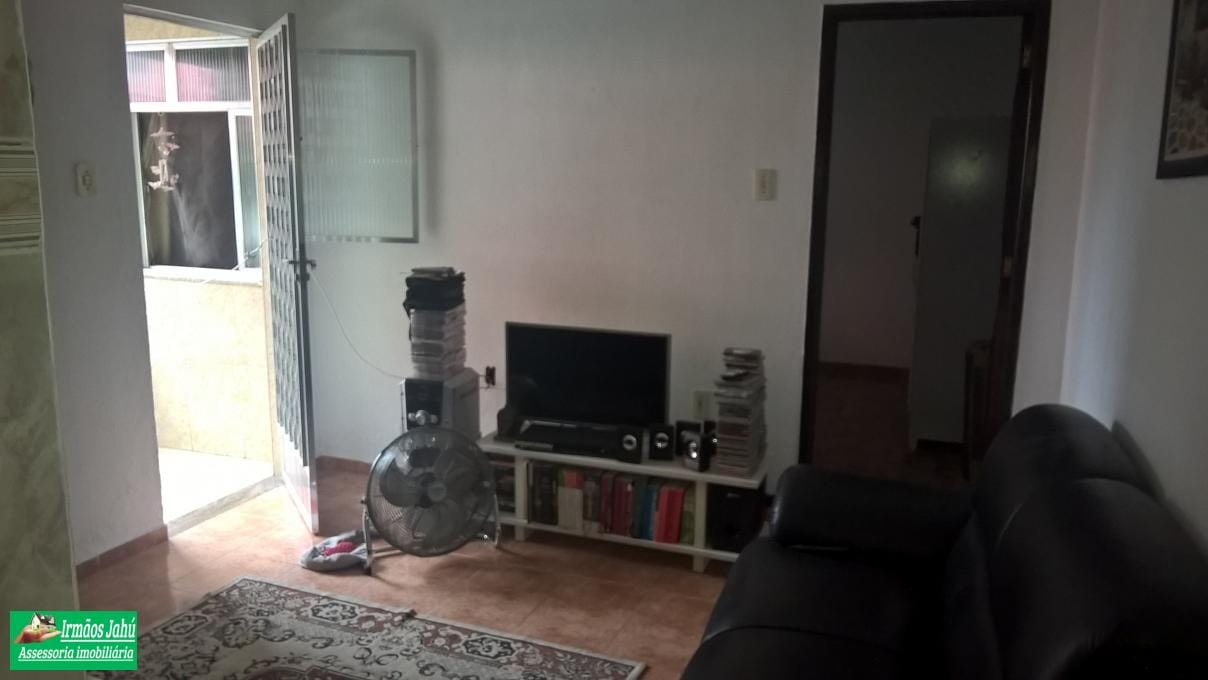 Vendo ótima Casa em Vila Tipo Condomínio Fechado com 5 Casas